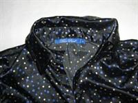 camasa neagra cu buline albastre si albe