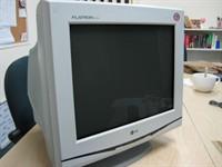 monitor LG F700B