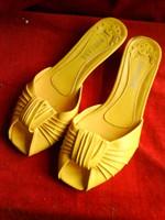 papuci galbeni 39