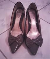 Pantofi lacuiti gri - marimea 36
