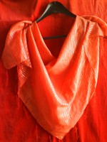batic portocaliu