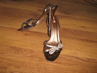 Sandale aurii cu toc de 6-7 cm, marime 38