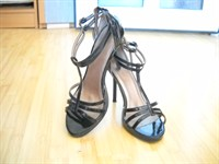 Sandale negre lacuite - masura 37