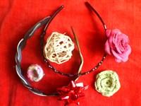 2 cordelute, 2 brose si 3 ornamente