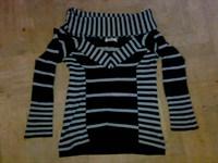 pulover decoltat in dungi marimea 36-38