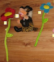 Floare rosie de jucarie (citeste descrierea)