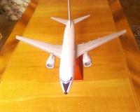 Model la scara al avionului YR-BGG de la TAROM