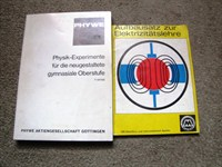 Doua carti de experimente electronice