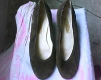 Pantofi maro din catifea