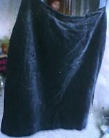 Fustă neagră din catifea
