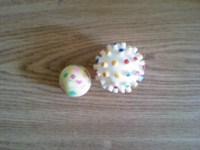 2 mingiute pentru catelusi