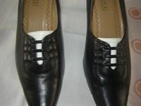 Ofer pantofi masura 39