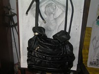 Geanta neagra