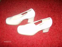 Pantofi dama albi marimea 37