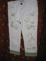 Pantaloni 3/4 albi cu aplicatii de margele