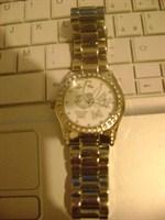 ceas de dama Q&Q