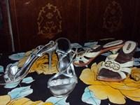 2 perechi de sandale