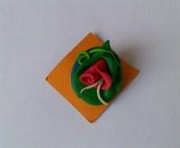 Brosa din Fimo cu floare roz