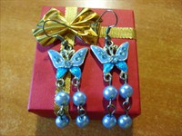 Cercei fluturi albastri