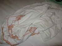 2703. Cearsaf alb cu portocaliu