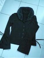 Bluza neagra cu guler din blanita