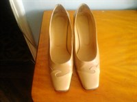 Pantofi dama marimea 40 culoare crem