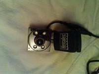 Webcam Hercules pentru convorbiri online, cu microfon