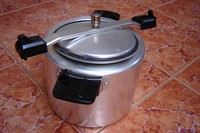 vas de gatit sub presiune (cucta)