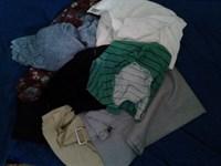 cutie cu haine diverse