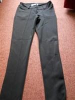 Pantaloni stramti