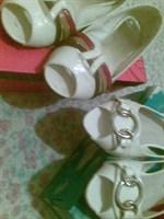 Doua perechi de pantofi de vara