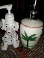 2 dozatoare de sapun lichid