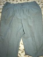 Pantaloni patratele