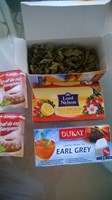 Ceai, praf de copt, condimente uscate