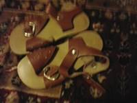 Sandalute fetita