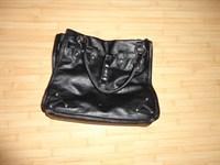 geanta neagra din piele ecologica