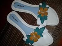 Papuci de damă albi 2