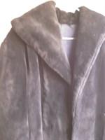 haina de blana  neagra