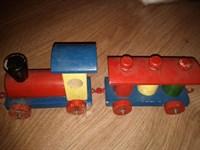 4311. Trenulet de lemn (jucarie)