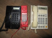 3 telefoane fixe