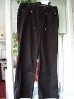 Pantaloni subtiri de vara
