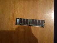 Memorie SDRAM 64Mb