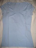 Tricou albastru in V