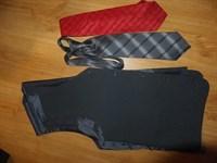 Vesta si 2 cravate