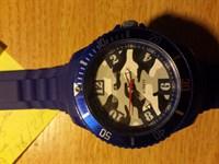 ceas albastru