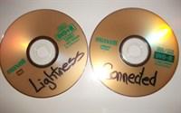 2 Filme: CONNECTED si LIGHTNESS