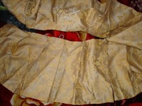 Material textil pentru pus in fata unei perdele