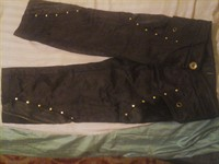 Pantaloni trei sferturi negri