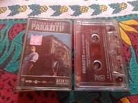 2 casete audio Parazitii