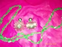 Set clipsuri si colier verde